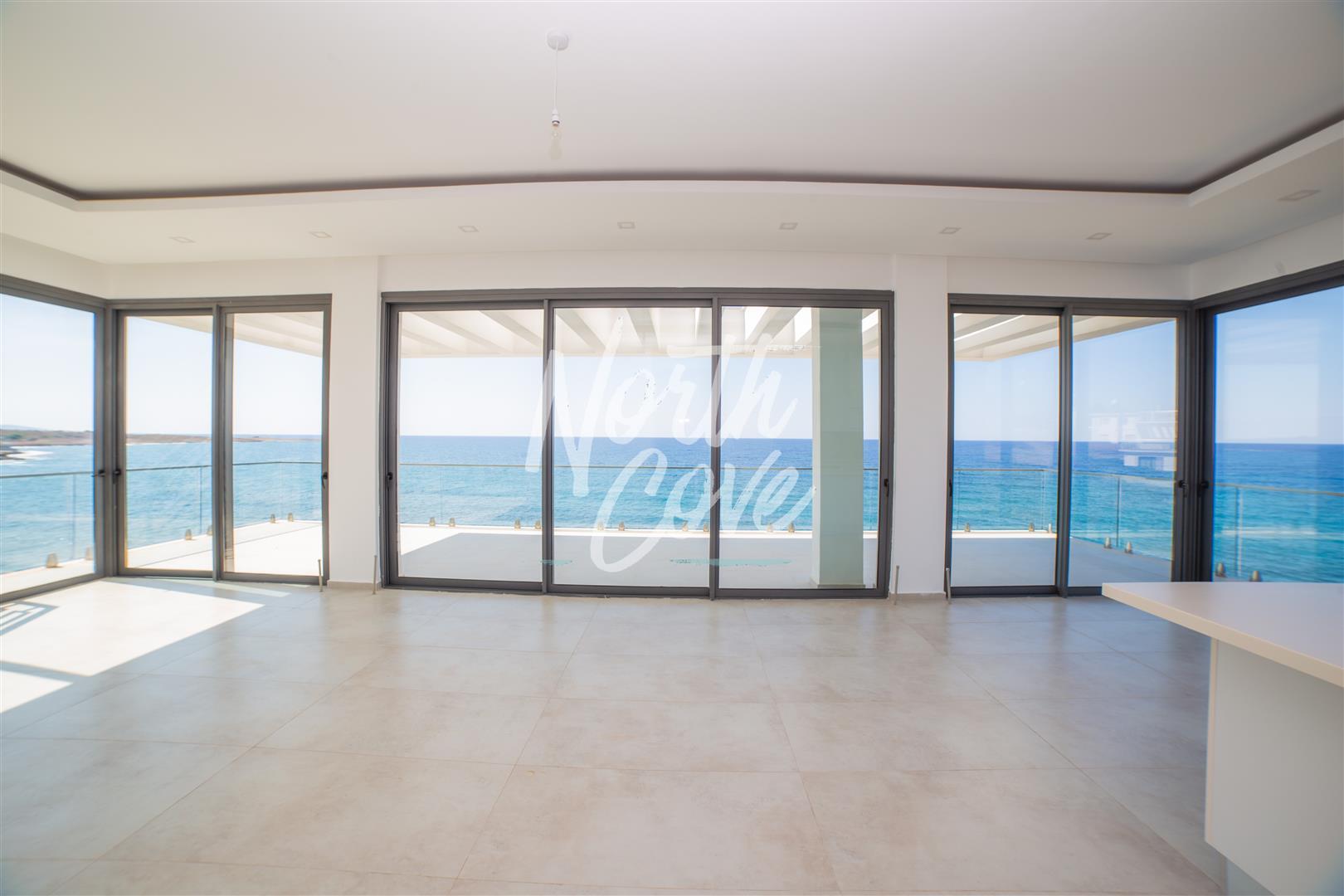 Contemporary 5 bedroom beachfront residence
